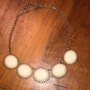 Statement necklace. Gold and cream.